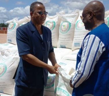 La CEDEAO remet au Burkina Faso plusieurs tonnes de vivres de sa Réserve Régionale de Sécurite Alimentaire